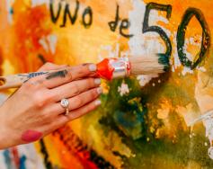 LOVE THROUGH ARTS на UNOde50 е тук!