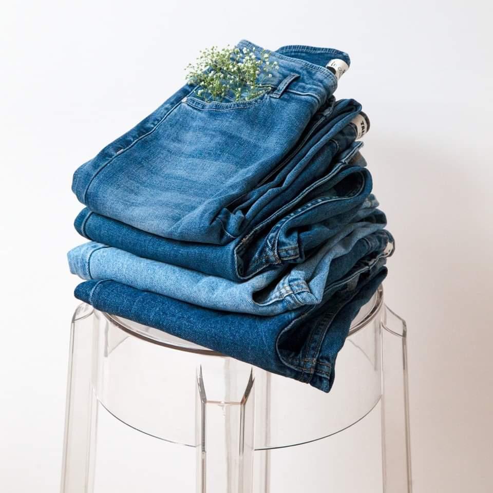 Промоция на панталони в магазин Tally Weijl