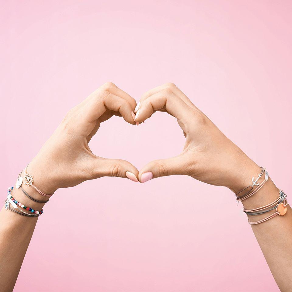Всичко е любов, когaто носите бижутата на Thomas Sabo 😍🔝❤️🎁🎀